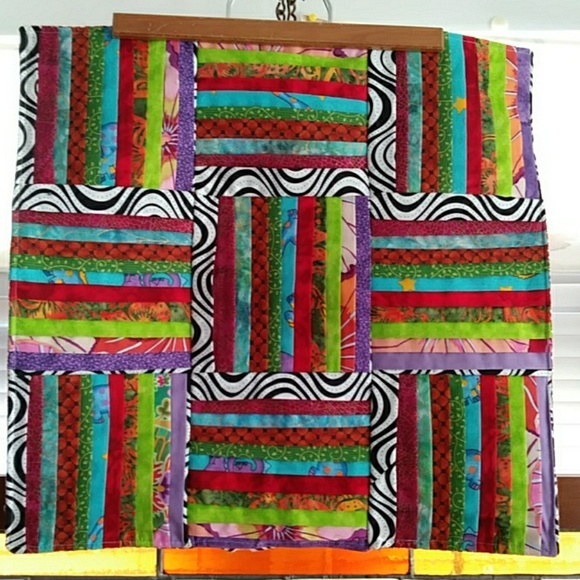 Other - Table Topper Multi Color 3 Dimensional